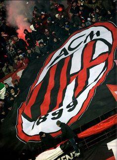 Soccer Fans, Football Fans, Nike Football, College Football, Football Players, Empoli Fc, Milan Wallpaper, Iphone Wallpaper, Milan Football