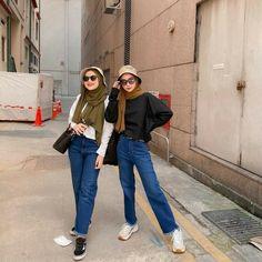 Casual Hijab Outfit, Ootd Hijab, Casual Outfits, Long Skirt Fashion, Modest Fashion, Fashion Outfits, Fashion Wear, Ootd Poses, Street Hijab Fashion