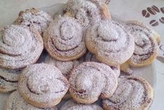 Škoricové osie hniezda Cookies, Desserts, Food, Basket, Crack Crackers, Tailgate Desserts, Deserts, Eten, Cookie Recipes