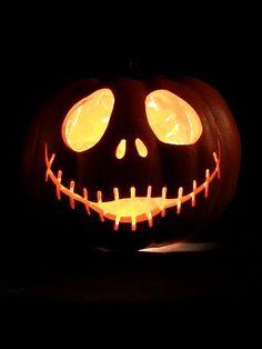 Jack Skellington pumpkin - Halloween this is for my daughter, she loves this! - BikiniLove Jack Skellington pumpkin - Halloween this is for my daughter, she loves this! Halloween Pumpkin Carving Stencils, Scary Pumpkin Carving, Halloween Pumpkin Designs, Amazing Pumpkin Carving, Pumpkin Carving Patterns, Fete Halloween, Halloween Pumpkins, Halloween Jack, Pumpkin Carvings