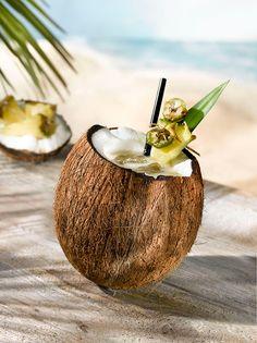 Cocktails, Cocktail Drinks, Pina Colada, Coconut Shell, Dessert Recipes, Desserts, Smoothies, Vegan, Fruit