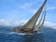 Caractéristiques et informations sur les bateaux classiques et navires anciens référencés - Location de bateaux classiques, voiliers traditionnels, yacht, vieux gréements - Classic Boat Charter
