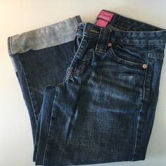 """The Limited Capri Jeans The Limited """"Drew"""" style Capri-length jeans. Rolled cuffs. The Limited Jeans Ankle & Cropped"""