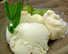 Elderflowers and gooseberries are a perfect match in this sweetly sour simple summer dessert – Elderflower and Gooseberry Ice Cream. Yummy Ice Cream, Love Ice Cream, Vegan Ice Cream, Ice Cream Recipes, Gooseberry Patch, Frozen Desserts, Summer Desserts, Homity Pie, Kitchens