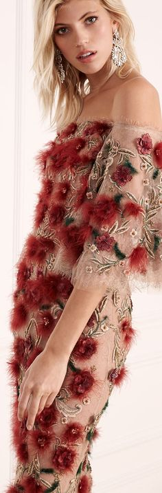 Shop cocktail dresses from top designers. Buyer Select features the most current and daring styles from brands. Evening out & party dresses. Fashion 2017, Couture Fashion, Fashion Beauty, Womens Fashion, Sexy Dresses, Evening Dresses, Fashion Details, Fashion Design, Classic Style Women