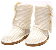 Cream Classic Cardy UGG Boots .The Christmas promotion!