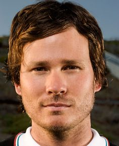 Call me weird but I don't care, I find Tom DeLonge of Blink-182, Boxcar Racer, and Angels and Airwaves, quite attractive. xD