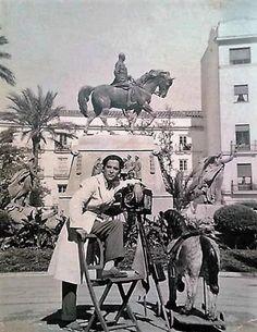 1960 Fotógrafo Plaza del Arenal.
