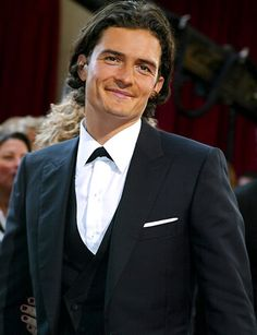 Orlando Bloom melting me with your smile, you sexy beast.