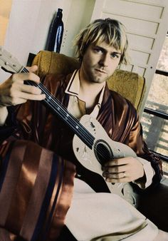 Kurt Cobain. I've never seen this pic before now.