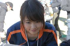 ▼19Jan2014まんたんウェブ|有村架純 : 今度はマネジャー 新CMでジャージー姿を披露 http://mantan-web.jp/2014/01/19/20140119dog00m200032000c.html #Kasumi_Arimura #Arimura_Kasumi
