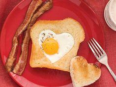 Heart-Shaped Egg And Toast - The Frisky