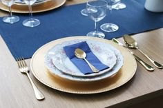 Tiered Cakes, Plates, Tableware, Shop, Licence Plates, Plate, Dinnerware, Dishes, Dish