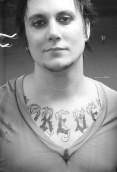 How is it even possible that someone can be this gorgeous? Syn Gates! Beautiful!