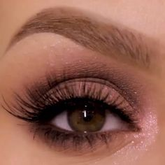 natural makeup for brown eyes . natural makeup for black women . natural makeup looks . natural makeup for blue eyes . natural makeup for blondes Sparkly Makeup, Pink Eye Makeup, Makeup Eye Looks, Eye Makeup Steps, Hooded Eye Makeup, Makeup For Green Eyes, Natural Eye Makeup, Eyeshadow Makeup, Natural Eyeshadow Looks