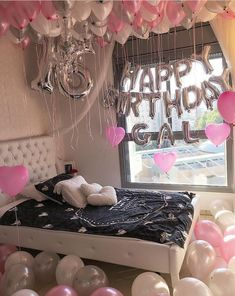 Teen Birthday Gifts – Gift Ideas Anywhere 16th Birthday Decorations, 13th Birthday Parties, Birthday Party For Teens, Sweet 16 Birthday, Teen Birthday, Birthday Celebration, Birthday Room Surprise, Birthday Surprise Ideas For Best Friend, 16th Birthday Gifts