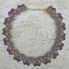 Cindy Cohn - Celini creation.  Who has a tutorial to this necklace?