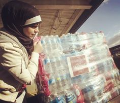 via @CraigCons - A group of Muslim Americans have donated 30,000 #waterbottles to fight the #badwater #crisis in #Flint. #ThankYou from #BottlenSoul www.bottle-n-soul.com