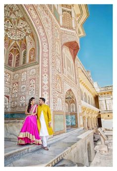 Up and close is Amer Fort of Jaipur! Located high on a hill, it is the principal tourist attraction in the Jaipur area. Pre Wedding Shoot Ideas, Pre Wedding Poses, Wedding Couple Poses Photography, Pre Wedding Photoshoot, Wedding Couples, Photography Poses, Photoshoot Ideas, Ethereal Photography, Photoshoot Inspiration