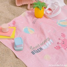 Toalla Mr Wonderful Happy Beach Bum, Beach Towel, Tropical, Mr Wonderful, Motivational Messages, Pool Towels, A Perfect Day, Little My, Strong Quotes