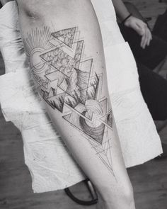 19 Best Ideas For Palm Tree Tattoo Men Tricep Family Sleeve Tattoo, Tree Sleeve Tattoo, Tree Tattoo Men, Nature Tattoo Sleeve, Tribal Sleeve Tattoos, Best Sleeve Tattoos, Nature Tattoos, Life Tattoos, Body Art Tattoos