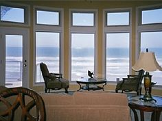 Luxury oceanfront vacation home at Seal Rock just steps from the beach