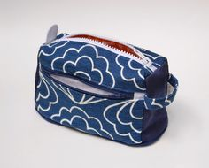 ikat bag: Zip A Bag Chapter 5: Boxed Pouch With Faced Zippered Pocket