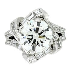 Jewelry Diamond : Mauboussin Diamond Cluster Ring French c1940