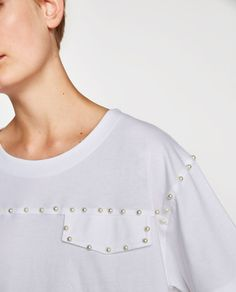 Zara Looks, Cute Shirt Designs, Western Tops, Relaxed Outfit, Clothing Hacks, Basic Tops, Cotton Fleece, Girls Jeans, Cute Shirts