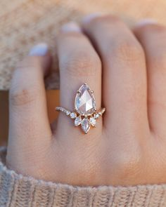 Nature Inspired Emerald Engagement Ring Set Rose Gold Engagement Rings Branch and Wedding Emerald Ring - Fine Jewelry Ideas Morganite Engagement, Rose Gold Engagement Ring, Engagement Ring Settings, Vintage Engagement Rings, Diamond Wedding Bands, Marquise Wedding Set, Lotus Ring, Bridal Rings, Bridal Jewelry