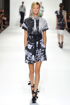 Dries Van Noten Spring 2012 Ready-to-Wear Fashion Show - Kasia Struss (Women)