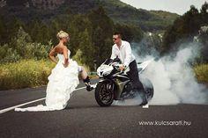 Motor bike wedding engagement pics 55 ideas for 2019 Bike Wedding, Wedding Pics, Wedding Engagement, Our Wedding, Dream Wedding, Wedding Ceremony, Motorcycle Wedding Pictures, Couple Photography, Wedding Photography