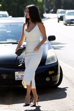 Selena Gomez in white dress.. Beautiful ❤️