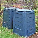 Vysoký záhon se zakládá jako kompost. Zelenina na něm roste výtečně! - Užitková zahrada Outdoor Furniture, Outdoor Decor, Outdoor Storage, Home Decor, Composters, Decoration Home, Room Decor, Interior Decorating, Outdoor Furniture Sets