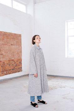 Emilia Wickstead Resort 2018 Fashion Show Collection Grey Fashion, Fashion 2018, All Fashion, Modern Fashion, Fashion Details, Fashion Art, Editorial Fashion, Runway Fashion, Fashion Outfits