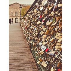 The loveloch bridge in Paris