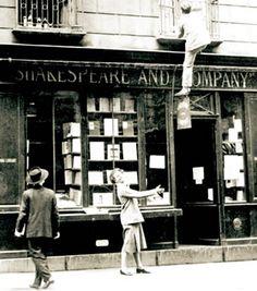 Montparnasse 1920s | PIONEIRA A americana Sylvia Beach diante da livraria Shakespeare and ...