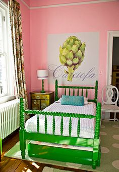 Cute Kelly Green trundle bed  .. I sooo want this for the future for Giuliana's big girl bedroom...