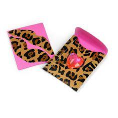 Sizzix.com - Kisses Mini Card & Envelope