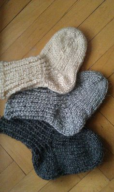 Hand knit baby socks booties cream grey custom wool by TinyOrchids Socks made for my boy are so comfy I think anyone would like them.