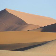 Adoro camminare nel deserto. Tutto, dentro di me, tace.