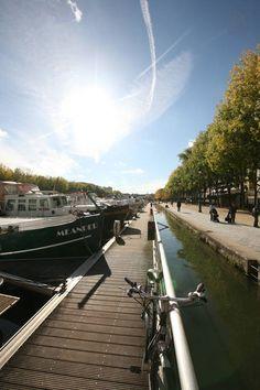 Paris Boat Airbnb