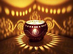 Teelicht, Teelichthalter, Handarbeit aus Kokosnuss von Siamrose via dawanda.com