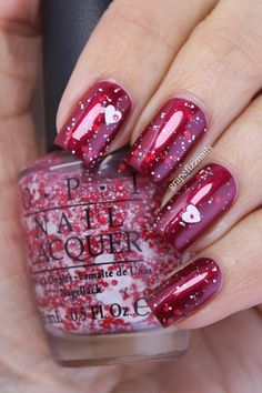 Semi-permanent varnish, false nails, patches: which manicure to choose? - My Nails Get Nails, Fancy Nails, How To Do Nails, Gorgeous Nails, Fabulous Nails, Pretty Nails, Glitter Nails, Red Glitter, Loose Glitter