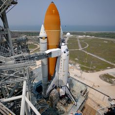 88 отметок «Нравится», 4 комментариев — Mike Deep (@mikedeep88) в Instagram: «A first and last opportunity... Atlantis on the launch pad ahead of the final space shuttle…»