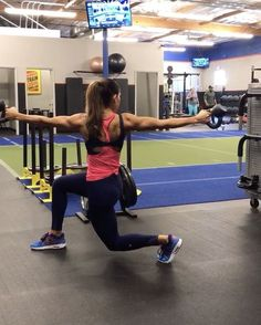 """10.4k Likes, 257 Comments - Alexia Clark (@alexia_clark) on Instagram: """"Kettlebells and lots of core! 1. 10 each side 2. 15 each side 3. 10 each side 4. 10 each leg…"""""""