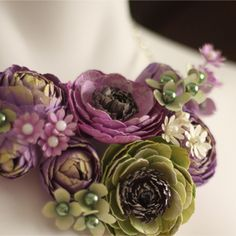 Love me some Purple and Green... goes with my guest bedroom