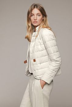 "Photo from album ""Fabiana Filippi весна-лето on Yandex. Coats For Women, Clothes For Women, Winter Stil, Mode Style, Fashion Outfits, Womens Fashion, Mantel, Casual Wear, Winter Outfits"