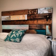 Headboards Made From Wooden Pallets | DIY Headboard Made From Recycled Barn  Wood And Pallets.