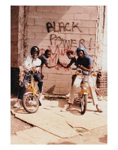 Afro Punk, Black Photography, Street Photography, Desenho New School, Jamel Shabazz, Arte Hip Hop, Vintage Black Glamour, Vintage 70s, Black Girl Aesthetic